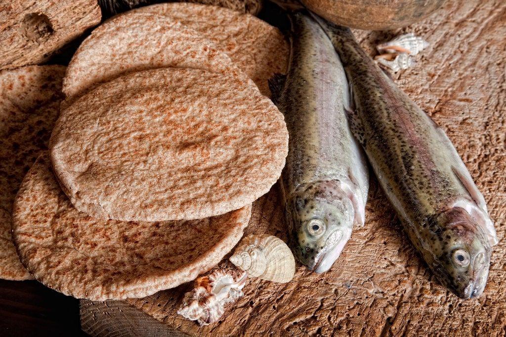 Муромский калач и 2 рыбы