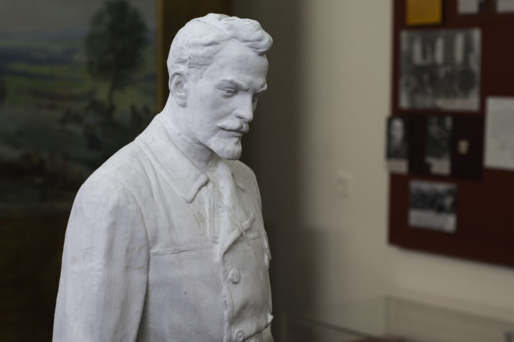 Николай Александрович Щорс биография