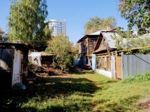 Вид на дом Клавдии Болонкиной